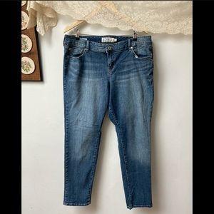 Torrid • Boyfriend Jeans